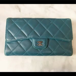 Auth Chanel Classic Lambskin Flap Wallet / Clutch